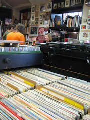 Teuchtler Schallplattenhandlung u. Antiquariat Photo